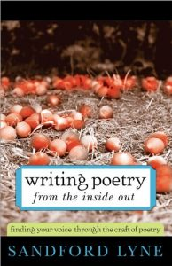 Baixar Writing Poetry from the Inside Out: Finding Your Voice Through the Craft of Poetry pdf, epub, eBook